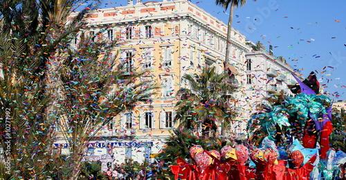 Leinwanddruck Bild carnaval  de Nice, scène de rue