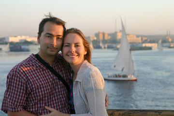 couple amoureux en croisière