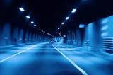 Autostrada w tunelu - 10381970