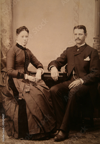 photograph,antique,retro,couple