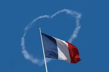 drapeau france coeur accueil amour accueillir patrie république