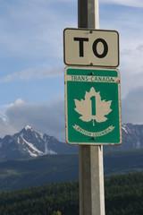 Strassenschild an der Highway 1 nahe Golden, BC - Kanada