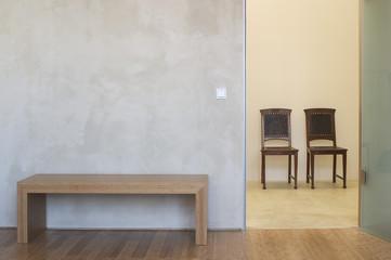 Stühle und Tisch, Innenaufnahme, modernes Zimmer