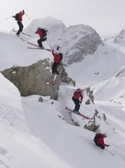 Schweiz, StMoritz, Skifahrer springen, Mehrfachbelichtung