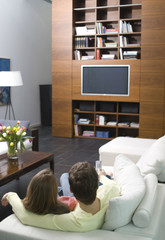 Junges Paar Fernsehen
