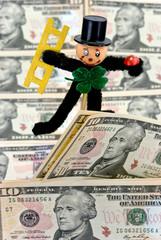 Amerikanische Dollars mit dem Glücksbringer
