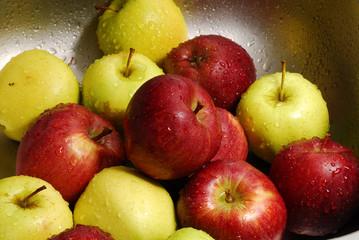 Manzanas lavadas.