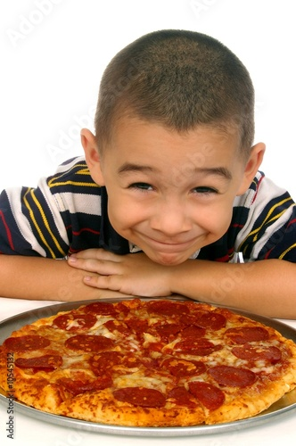 child and pizza 5 years old