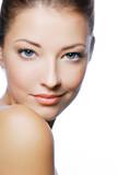 Portret młodej kobiety - 10561706