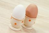 Weißes und braunes Ei poster