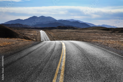 Leinwanddruck Bild Desert Highway, Death Valley National Park, California