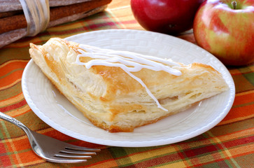 Apple turnover and apples
