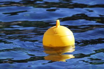 bouée jaune