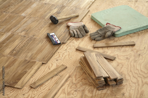 Laying wood flooring
