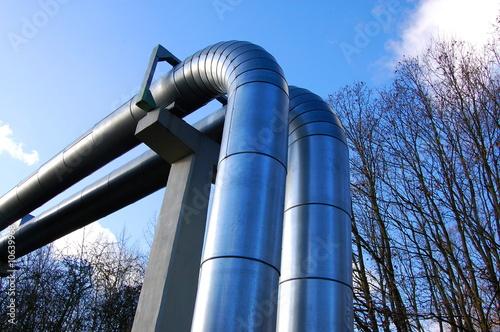 In de dag Tunnel industrial oil pipeline
