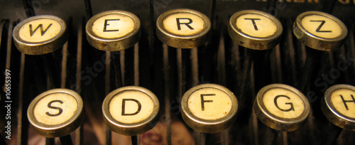 Typewriter keys keytops old style