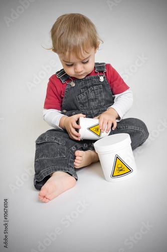 Toxique enfant risque dangereux chimique accident Accident domestique enfant