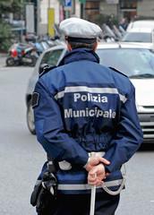 vigile urbano al lavoro