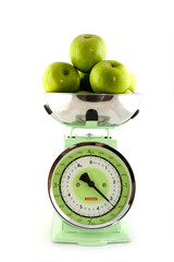 scale for the kitchen with green apples