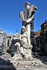 Statua allo storico Cimitero della Recoleta, Argentina