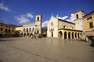 Norcia: Piazza e Basilica di San Benedetto 3