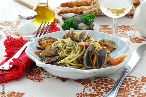 Spaghetti alle vongole - Primi piatti - Cucina tipica italiana Canvas Print
