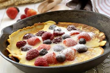 Pfannkuchen mit firschem Obst