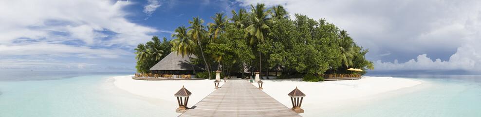 Ihuru Island Maldives © Marc Henauer