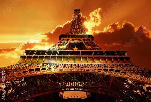 Picture Eiffel Tower Sunset on Eiffel Tower On Sunset    Freesurf  11105750   Zobacz Portfolio