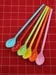 cucchiai colorati