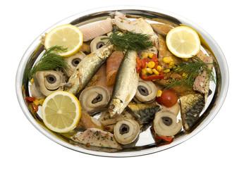 Fischplatte mit geräucherten Fischen