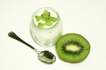 vasetto di yogurt al kiwi