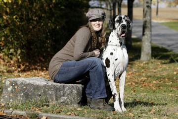 Frau mit Deutscher Dogge