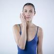 jeune femme soin visage
