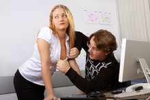 Flirt w biurze.