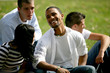 Groupe de jeunes de 20 ans dans un parc