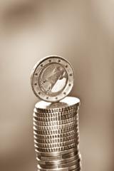 Geldstapel mit 2 EUR