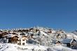 Village de montagne enneigé