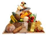 Zdravé jídlo Pyramide na bílém pozadí