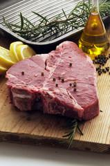 Bistecca cruda alla fiorentina - Secondi di Carne - Toscana