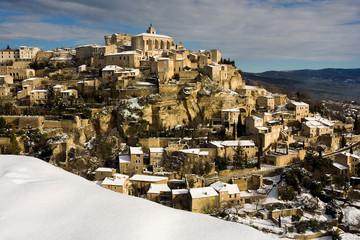 Village de Gordes sous la neige