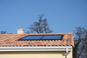 panneau solaire sur une maison récente