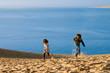 heureux au sommet de la dune du Pilat