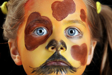 Enfant maquillé en chien