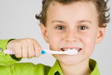 Fototapety Child brushing teeth
