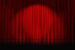 rideaux rouges étoilés