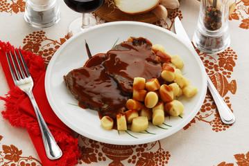 Pastizzada con gnocchi - Cucina della Dalmazia