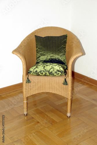 kissen auf korbsessel von fuxart lizenzfreies foto 11575123 auf. Black Bedroom Furniture Sets. Home Design Ideas