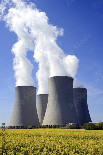 Poster Kernkraftwerk Temeln in Rapsfeld, Tschechische Republik, Europa