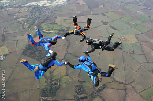 Canvas Luchtsport Five Skydivers form a star